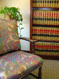Reading_chair_small_web_view